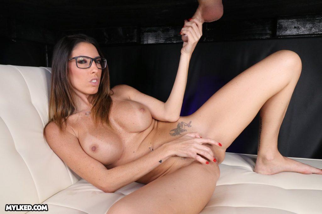 Dava Fox cock milking porn